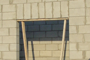 Stirrups Article 6 high lintel door